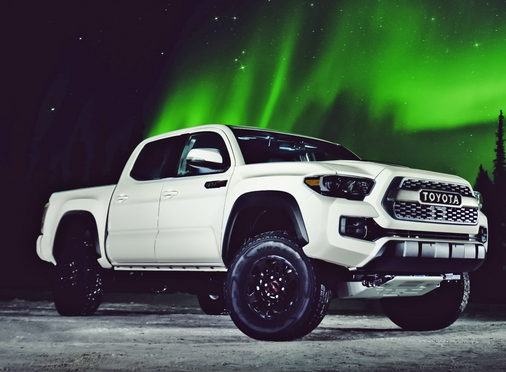 what models of toyota tacoma are availablein manual transmission
